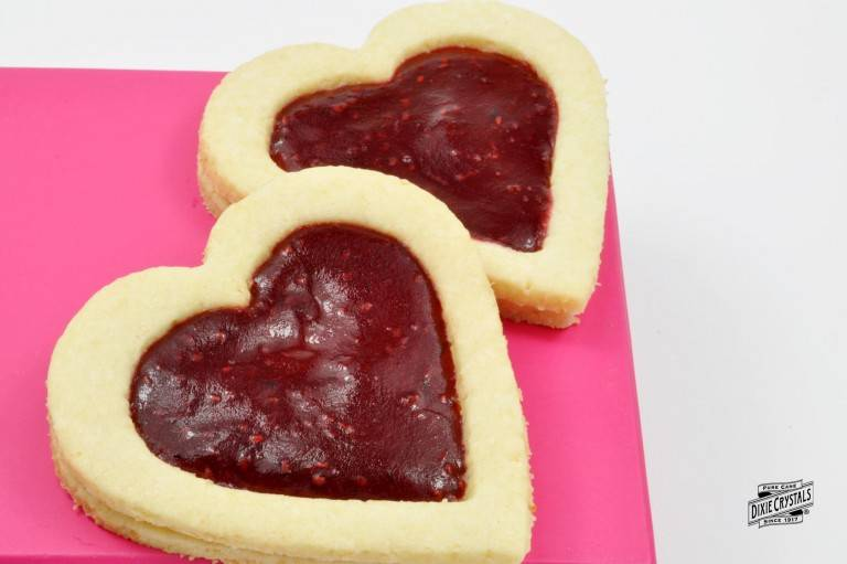 Heart-shaped-butter-cookies-with-jam-dixie-768x511.jpg