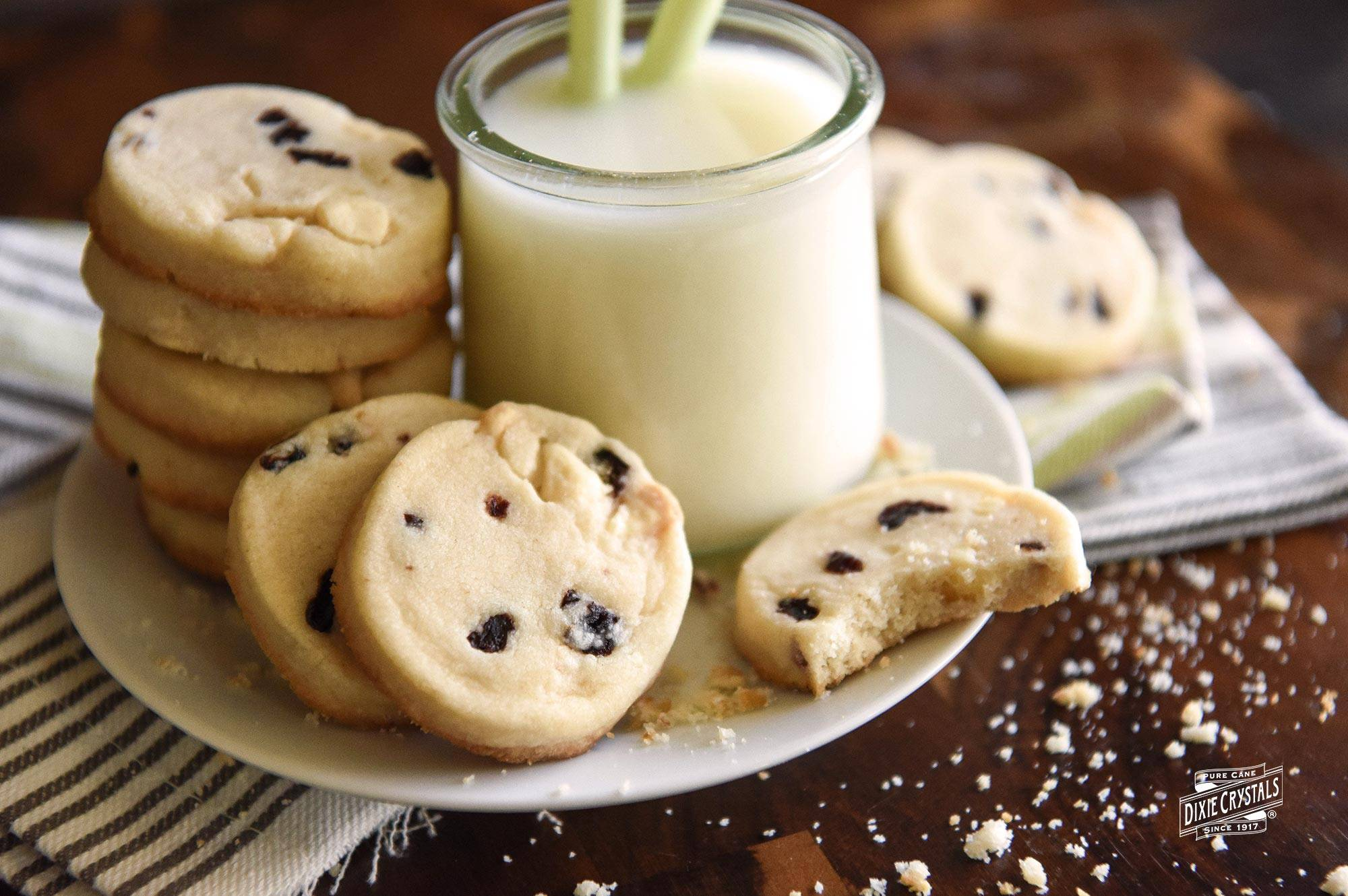 White-Chocolate-Cherry-Shortbread-Cookies-dixie.jpg
