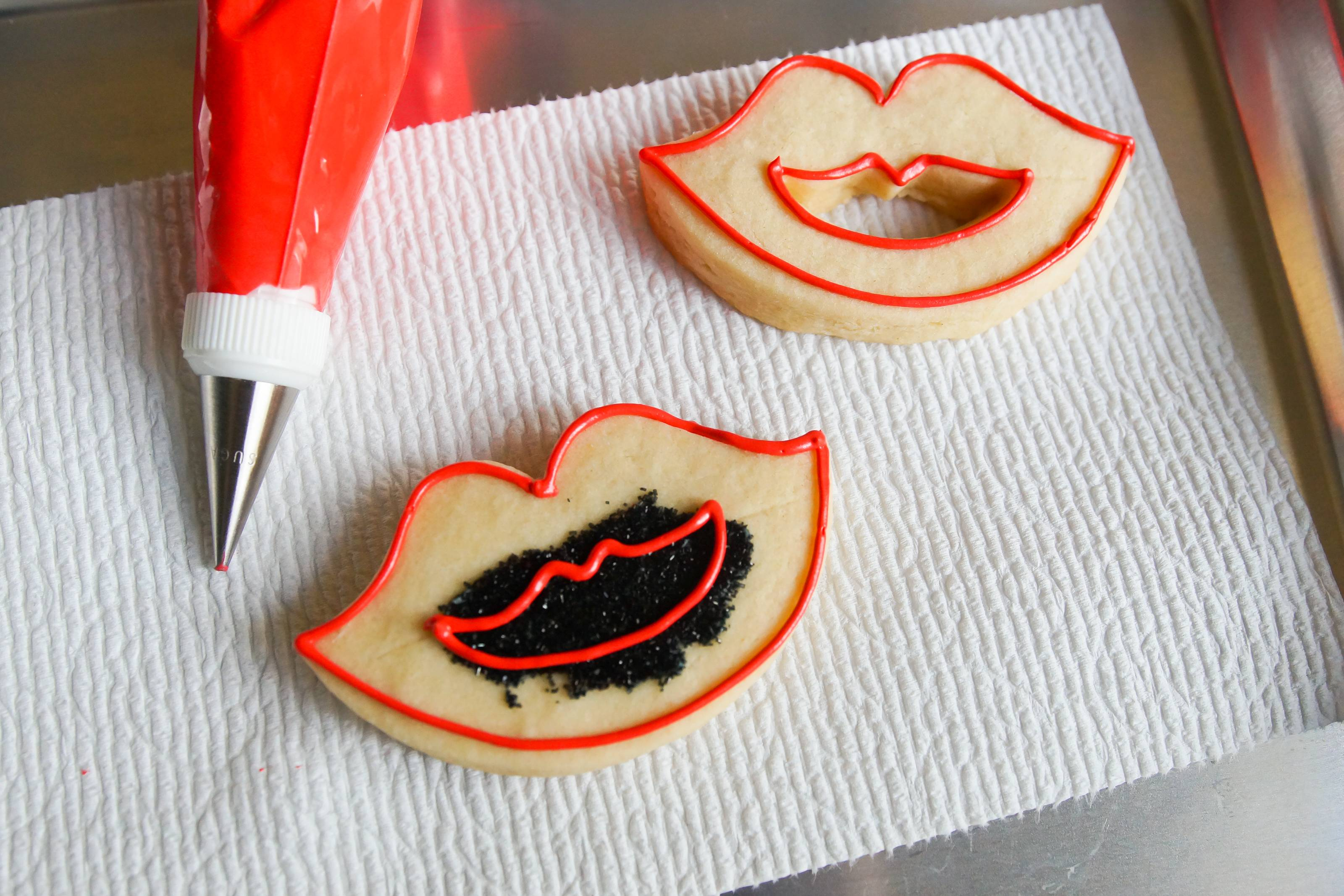 fang decorated cookies IMP outline.jpg