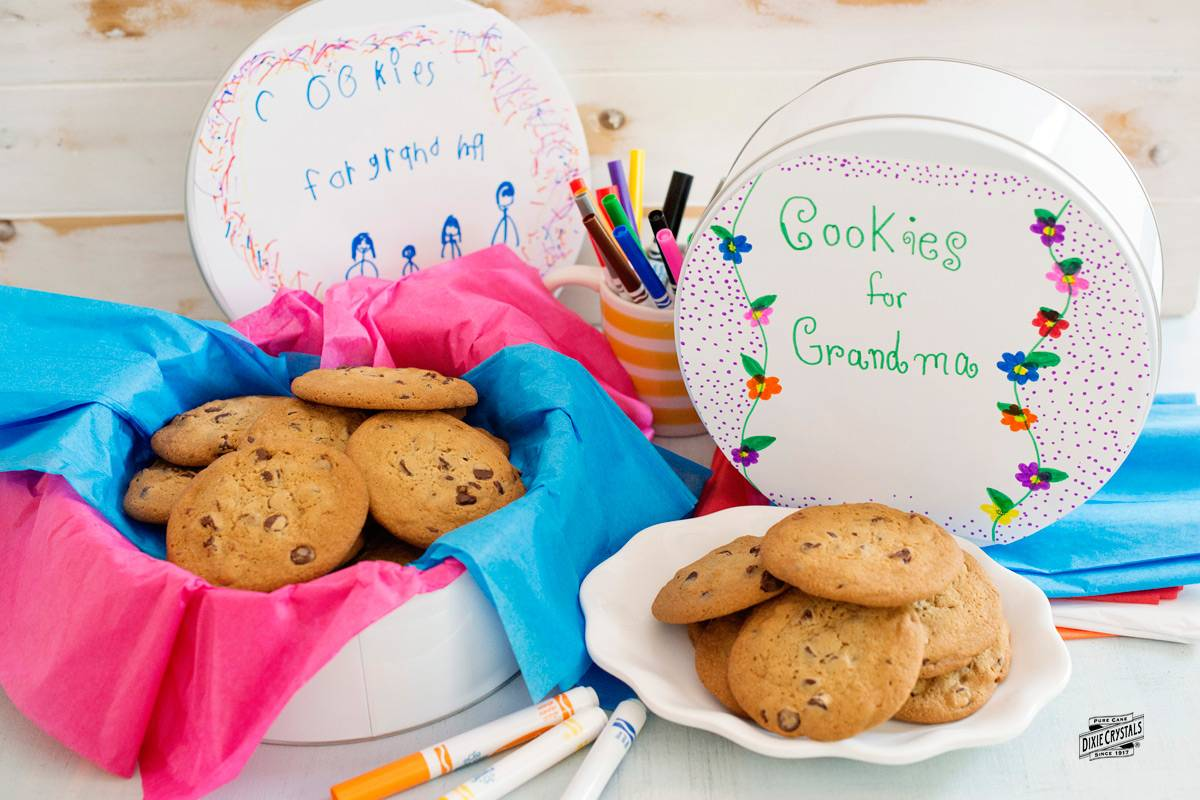 personalized-cookie-tins-by-dixie-crystals.jpg