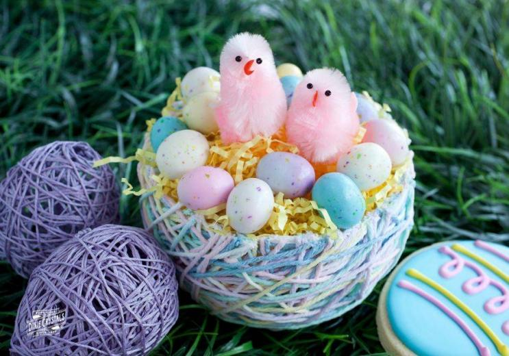 Yarn Easter Eggs and Easter Baskets