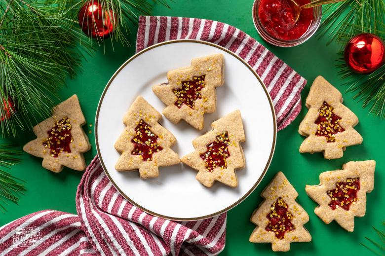 Christmas Tree Chocolate Strawberry Linzer Cookies