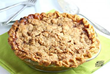 Apple Pie with Crumble Topping