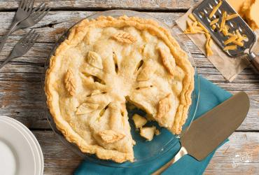 Cheddar Cheese Crust Apple Pie