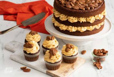Chocolate Pumpkin Cupcakes With Caramel Pecan Topping