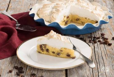 Cinnamon Raisin Sour Cream Pie