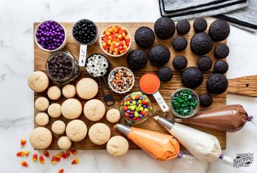 Decorate Your Own Halloween Cupcake Board