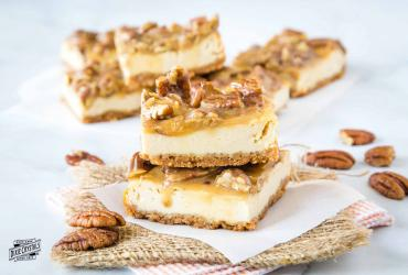 Praline Cheesecake Bars