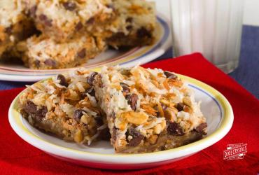 Pretzel Cashew Seven Layer Bars
