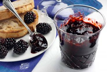 Quick and Reduced Sugar Blackberry Jam