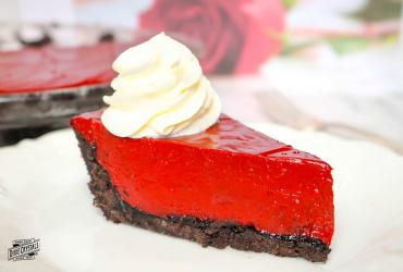 Red Velvet Chocolate Cream Pie
