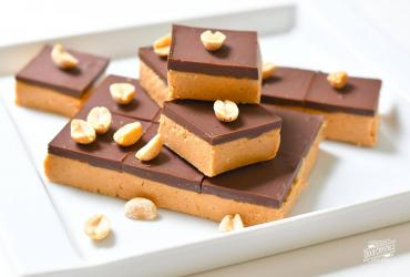 No Bake Salted Chocolate Peanut Butter Squares
