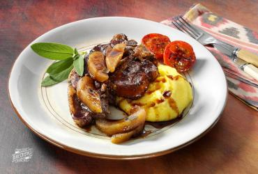 Slow Cooker Sweet Apple Balsamic Pork Chop