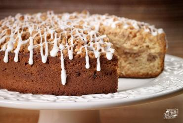 Spiced Pear and Walnut Coffee Cake