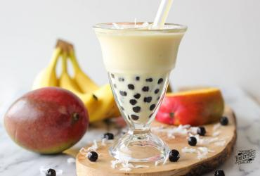 Tropical Smoothie with Tapioca Pearls