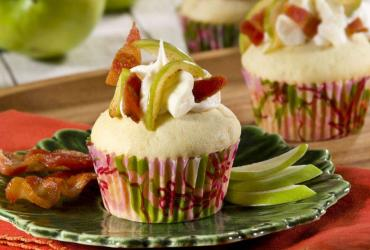 Apple Cinnamon French Toast Cupcake with Bacon Maple Cream Frosting