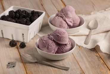Blackberry Vanilla Cheesecake Ice Cream