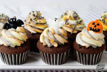 Devil's Food Halloween Tie Dyed Cupcakes