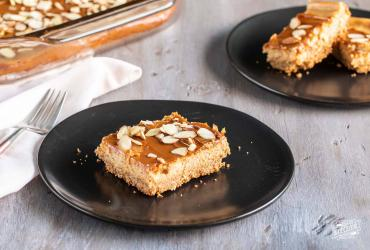 Dulce de Leche Cheesecake Bars