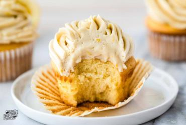 Extra Smooth and Creamy Lemon Buttercream Frosting
