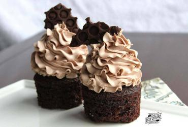 Low Sugar Chocolate Malt Cupcakes dixie