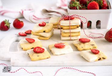 Strawberry Vanilla Shortbread Cookies