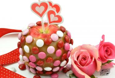 Valentine Caramel Apples